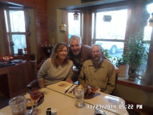 Donna and her hubby, Jim and Dad.... Thanksgiving in Illinois. First one without mom. First time home in 9 years. For me.