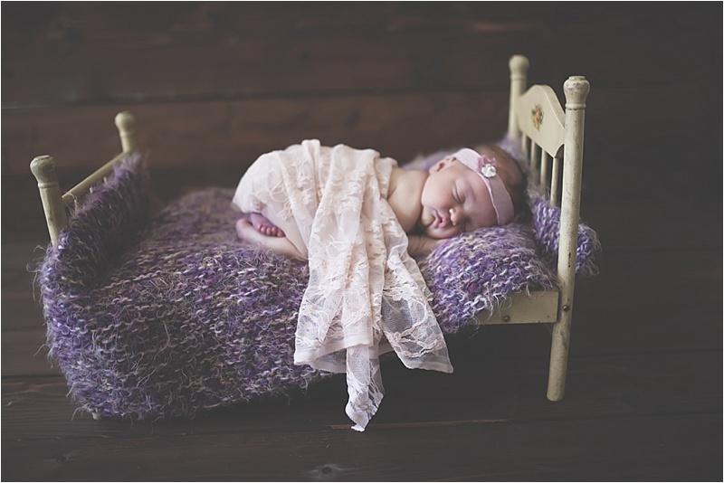 nh-new-hampshire-newborn-portraits-photography-photographer-lifestyle-exeter-hampton-bedford-epping-sesacoast-new-england-family-1