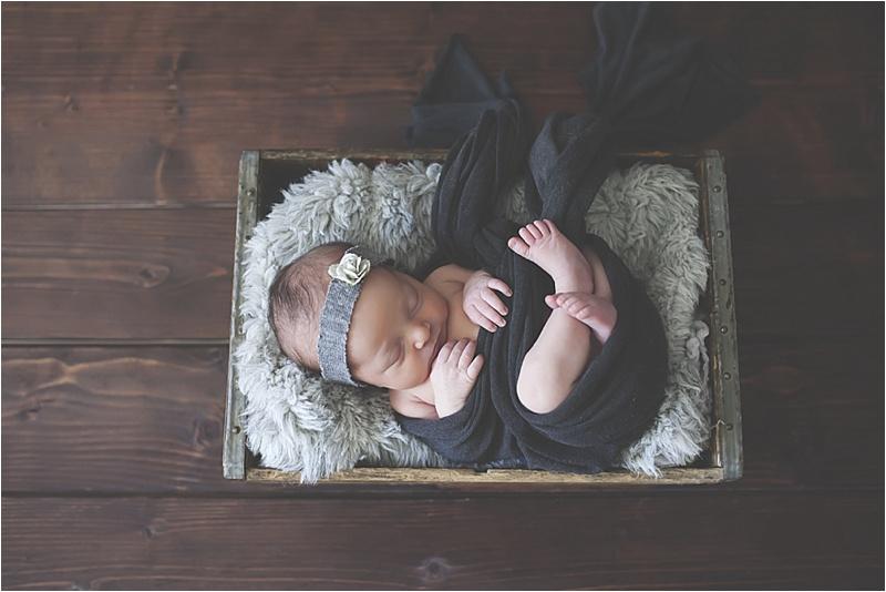 nh-new-hampshire-newborn-portraits-photography-photographer-lifestyle-exeter-hampton-bedford-epping-sesacoast-new-england-family-3