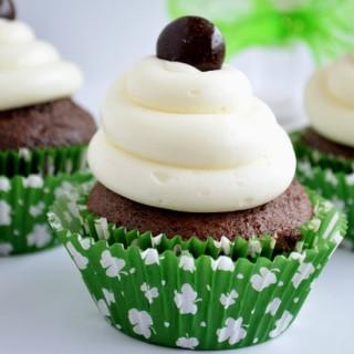 Jr-Mint-Cupcakes-1550-320x320