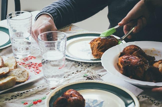 family-dinner-time (1).jpg